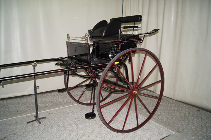 2 wheeled show gig  - Suitable for heavy horse, but can supply smaller version for light horse