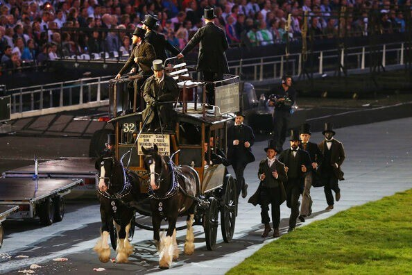 Drayhorse Shires can offer a pair of black shire horses with a variety of carriages - Drayhorse Shires