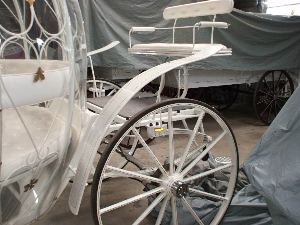 Cinderella Carriage, this carriage is for those truly fairytale events - Drayhorse Shires Australia